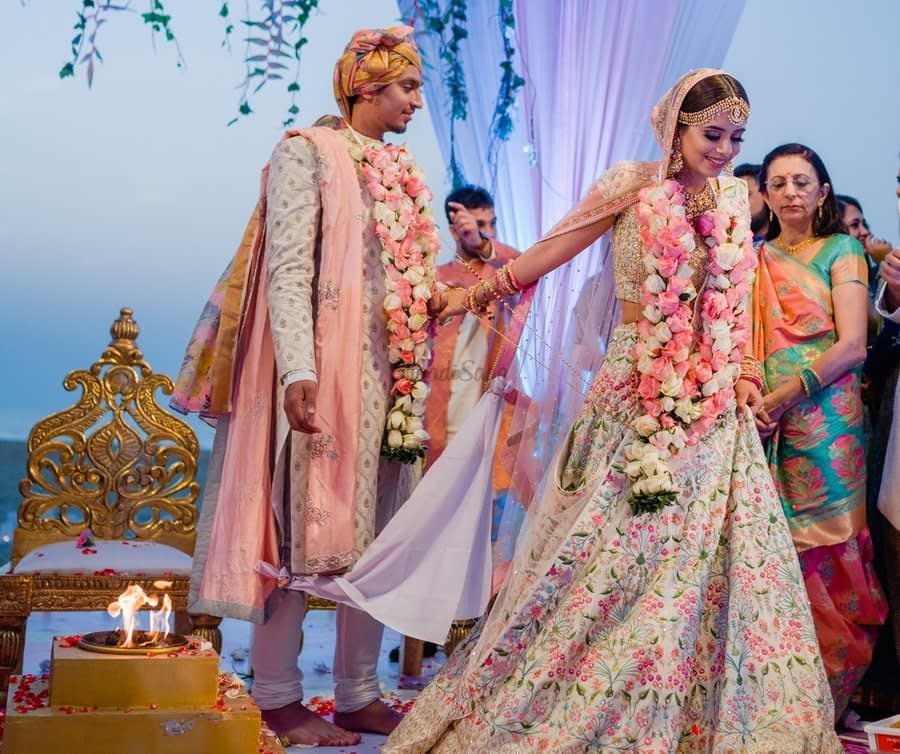 Wedding Vows| 7 Hindi Vows Meaning and Definition